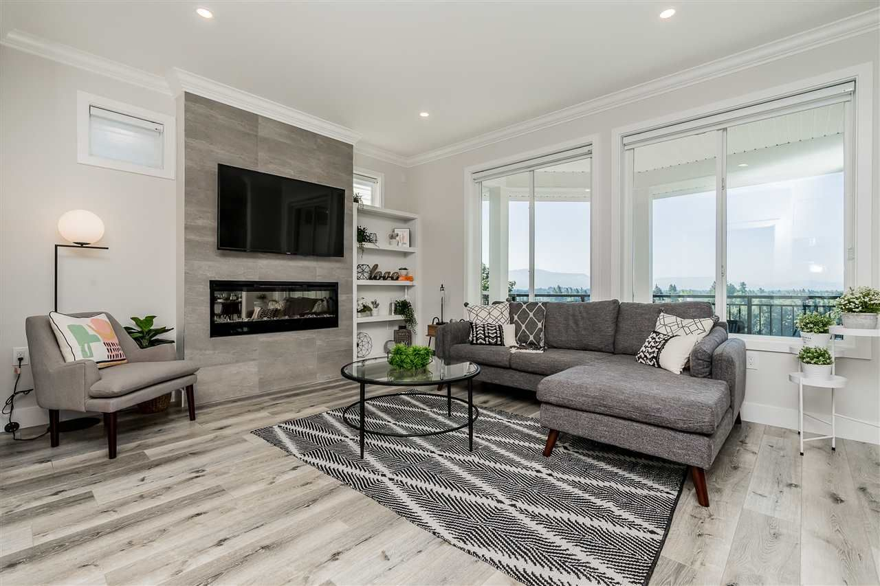"""Main Photo: 15 31548 UPPER MACLURE Road in Abbotsford: Abbotsford West Townhouse for sale in """"Maclure Point"""" : MLS®# R2492261"""