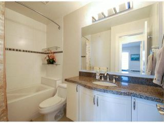 "Photo 16: PH1 15357 ROPER Avenue: White Rock Condo for sale in ""REGENCY COURT"" (South Surrey White Rock)  : MLS®# R2366070"
