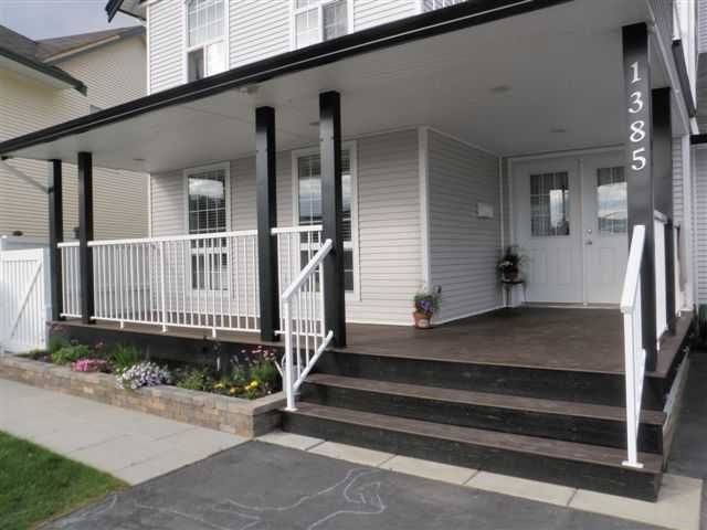 """Main Photo: 1385 NAGRA Avenue in Quesnel: Quesnel - Town House for sale in """"CARSON"""" (Quesnel (Zone 28))  : MLS®# N206263"""