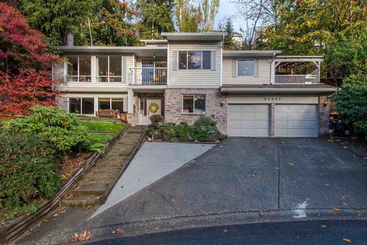 Main Photo: 35097 BERNINA Court in Abbotsford: Abbotsford East House for sale : MLS®# R2332717