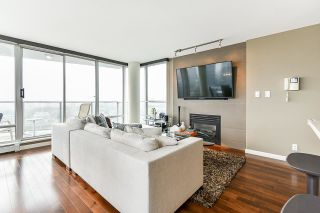 """Photo 4: 1902 1228 MARINASIDE Crescent in Vancouver: Yaletown Condo for sale in """"Crestmark II"""" (Vancouver West)  : MLS®# R2582919"""
