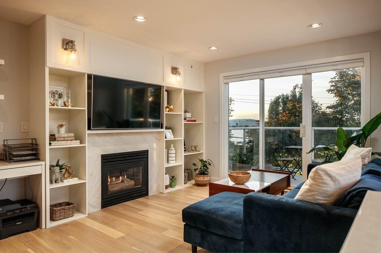 """Photo 3: Photos: 216 5880 DOVER Crescent in Richmond: Riverdale RI Condo for sale in """"WATERSIDE"""" : MLS®# R2244276"""