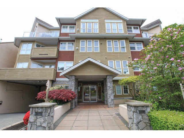 "Main Photo: 105 1630 154 Street in Surrey: King George Corridor Condo for sale in ""CARLTON COURT"" (South Surrey White Rock)  : MLS®# F1438775"