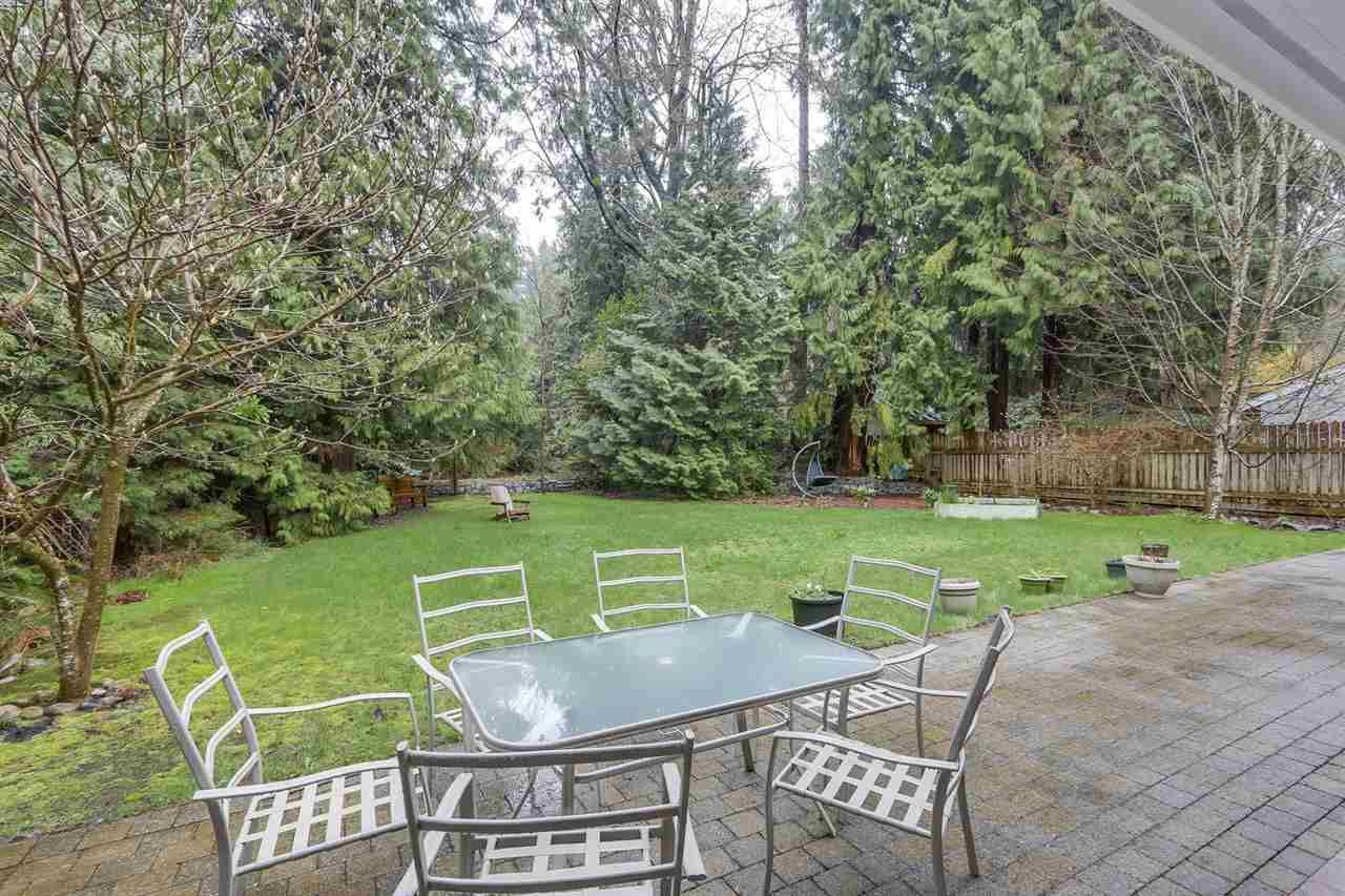 "Photo 9: Photos: 5615 KEITH Road in West Vancouver: Eagle Harbour House for sale in ""Eagle Harbour"" : MLS®# R2254699"