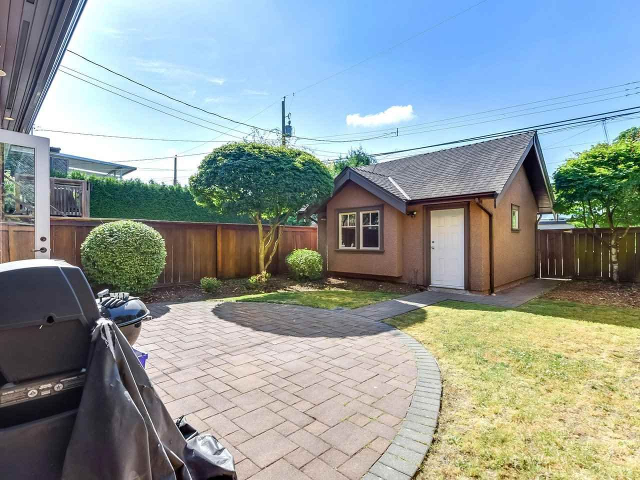 Photo 19: Photos: 694 W 19TH AVENUE in Vancouver: Cambie House for sale (Vancouver West)  : MLS®# R2186365