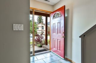 Photo 2: 410 Canyon Close: Canmore Detached for sale : MLS®# C4304841