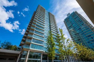 """Photo 3: 1901 2200 DOUGLAS Road in Burnaby: Brentwood Park Condo for sale in """"AFFINITY"""" (Burnaby North)  : MLS®# R2457772"""