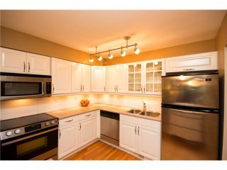 """Photo 5: 3934 INDIAN RIVER Drive in North Vancouver: Indian River Townhouse for sale in """"Highgate Terrace"""" : MLS®# V997469"""