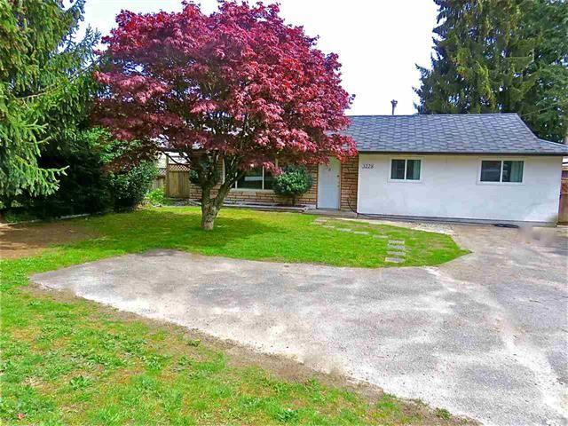 Main Photo: 3228 CEDAR DRIVE: House for sale : MLS®# R2059607