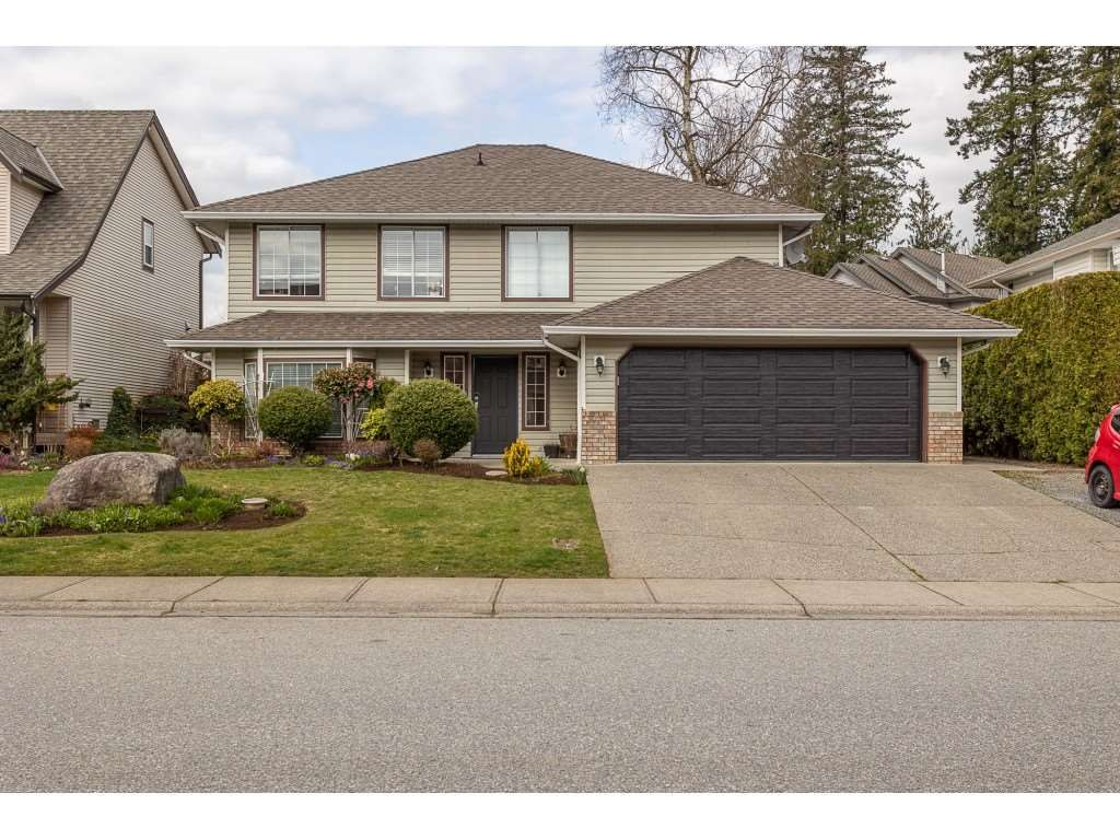 Main Photo: 35275 BELANGER Drive in Abbotsford: Abbotsford East House for sale : MLS®# R2558993