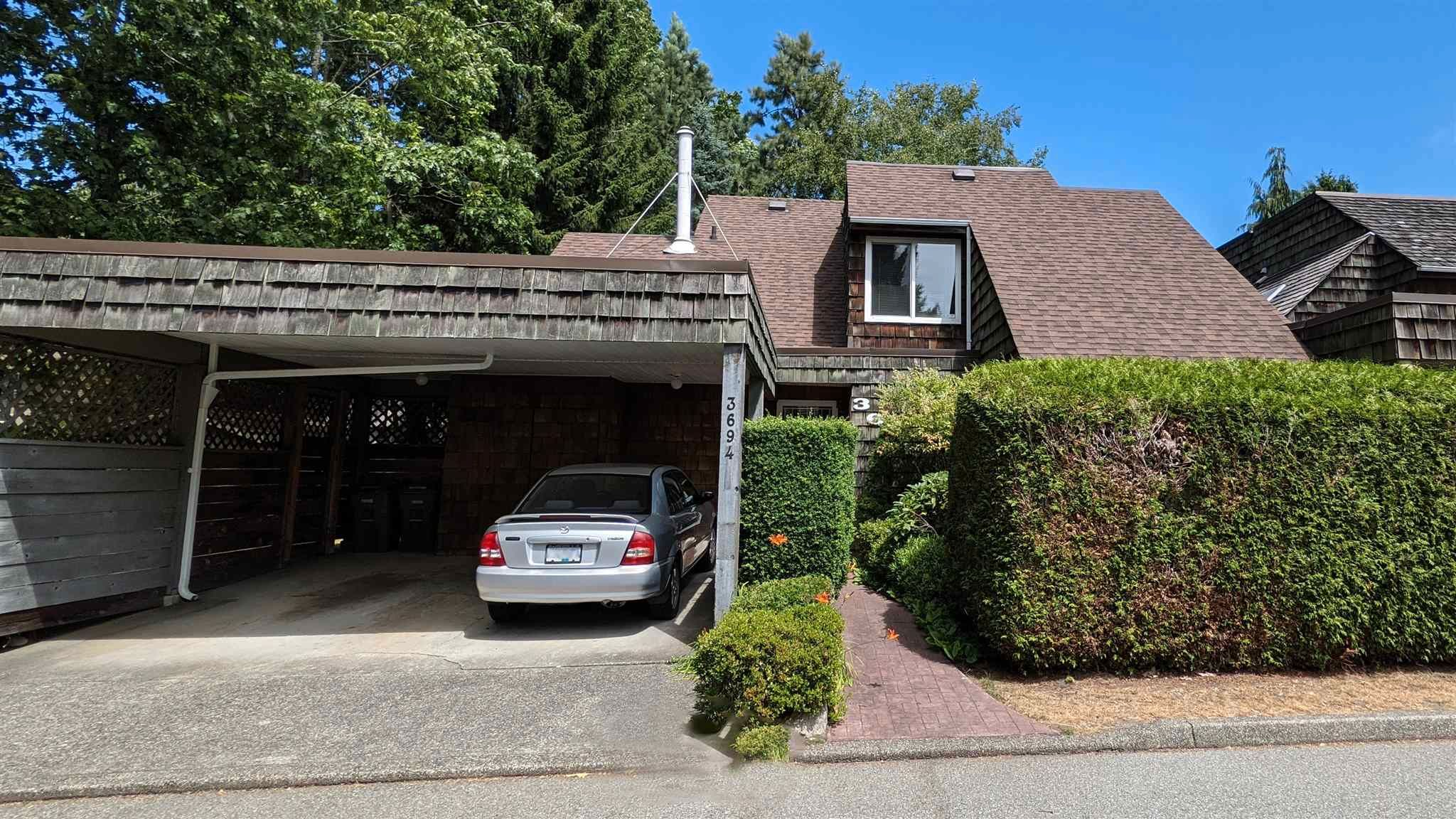 Main Photo: 3694 BORHAM Crescent in Vancouver: Champlain Heights Townhouse for sale (Vancouver East)  : MLS®# R2603534
