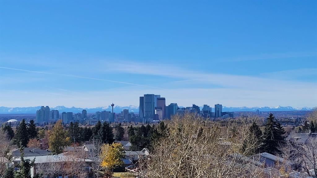 UNBELIEVABLE Downtown & Mountain VIEWS!