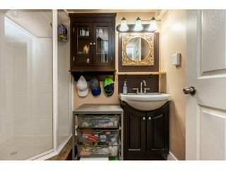 """Photo 30: 12 20761 TELEGRAPH Trail in Langley: Walnut Grove Townhouse for sale in """"Woodbridge"""" : MLS®# R2456523"""