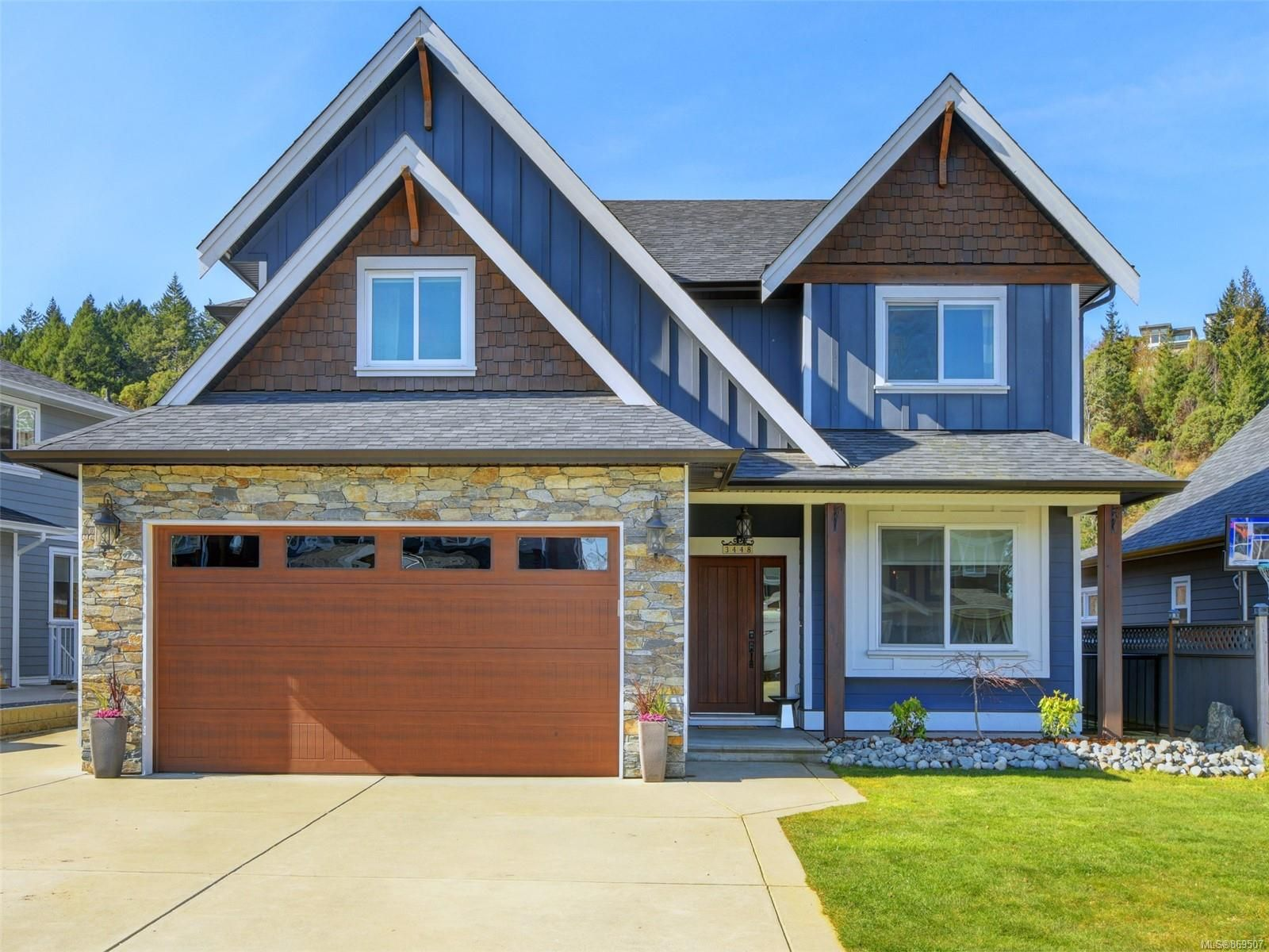 Main Photo: 3448 Hopwood Pl in : Co Latoria House for sale (Colwood)  : MLS®# 869507