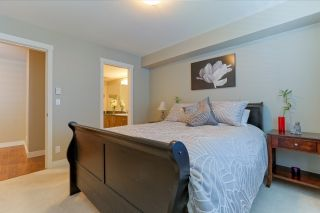 "Photo 13: 305 19340 65 Avenue in Surrey: Clayton Condo for sale in ""Esprit"" (Cloverdale)  : MLS®# R2045830"