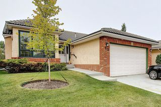 Photo 1: 22 EVERGREEN Bay SW in Calgary: Evergreen Detached for sale : MLS®# A1033226