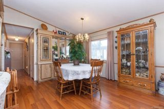 Photo 7: 5 1536 Middle Rd in View Royal: VR Glentana Manufactured Home for sale : MLS®# 775203
