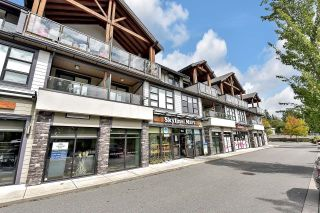 """Photo 2: 202 13585 16 Avenue in Surrey: Crescent Bch Ocean Pk. Townhouse for sale in """"Bayview Terrace"""" (South Surrey White Rock)  : MLS®# R2613142"""