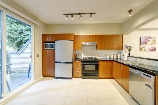 """Photo 3: 185 9133 GOVERNMENT Street in Burnaby: Government Road Townhouse for sale in """"Terramor by Polygon"""" (Burnaby North)  : MLS®# R2526339"""