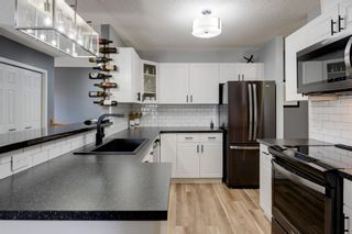 Main Photo: 2 914 20 Street SE in Calgary: Inglewood Row/Townhouse for sale : MLS®# A1133856
