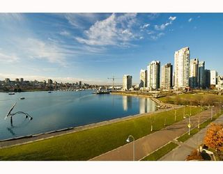 "Photo 5: 605 1383 MARINASIDE Crescent in Vancouver: False Creek North Condo for sale in ""COLUMBUS"" (Vancouver West)  : MLS®# V685162"