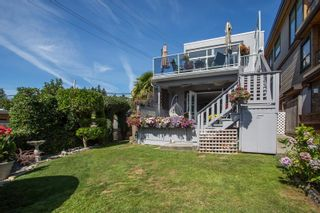 """Photo 30: 1246 OXFORD Street: White Rock House for sale in """"HILLSIDE"""" (South Surrey White Rock)  : MLS®# R2615976"""