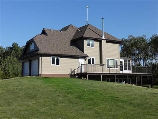 FEATURED LISTING: 56503 RR 231 Rural Sturgeon County