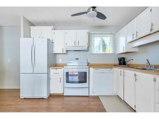 """Photo 7: 328 1840 160 Street in Surrey: King George Corridor Manufactured Home for sale in """"BREAKAWAY BAYS"""" (South Surrey White Rock)  : MLS®# R2593768"""
