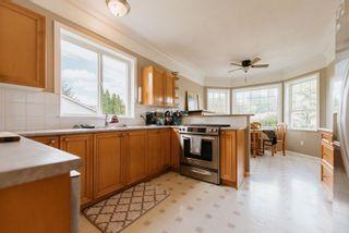 Photo 5: 5597 CURTIS Place in Sechelt: Sechelt District House for sale (Sunshine Coast)  : MLS®# R2617023