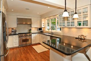 Photo 5: 6069 HOLLAND Street in Vancouver: Southlands House for sale (Vancouver West)  : MLS®# R2133046