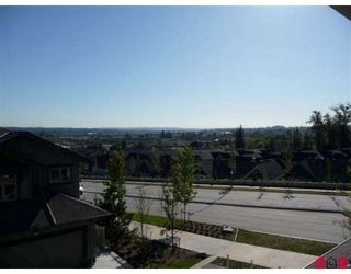 "Photo 9: 50 20326 68TH Avenue in Langley: Willoughby Heights Townhouse for sale in ""SUNPOINTE"" : MLS®# F2920459"