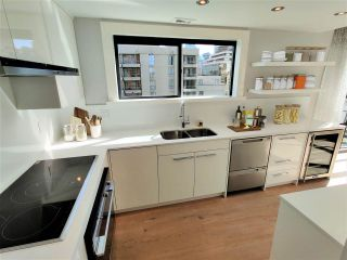 """Photo 5: 1703 909 BURRARD Street in Vancouver: West End VW Condo for sale in """"Vancouver Tower"""" (Vancouver West)  : MLS®# R2585643"""