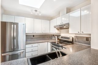 """Photo 11: 404 150 W 22ND Street in North Vancouver: Central Lonsdale Condo for sale in """"The Sierra"""" : MLS®# R2547580"""