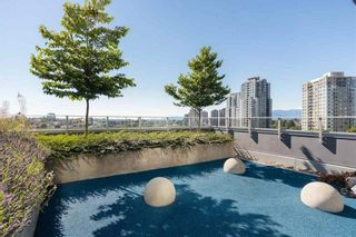 """Photo 19: 521 5598 ORMIDALE Street in Vancouver: Collingwood VE Condo for sale in """"WALL CENTER CENTRAL PARK"""" (Vancouver East)  : MLS®# R2495888"""