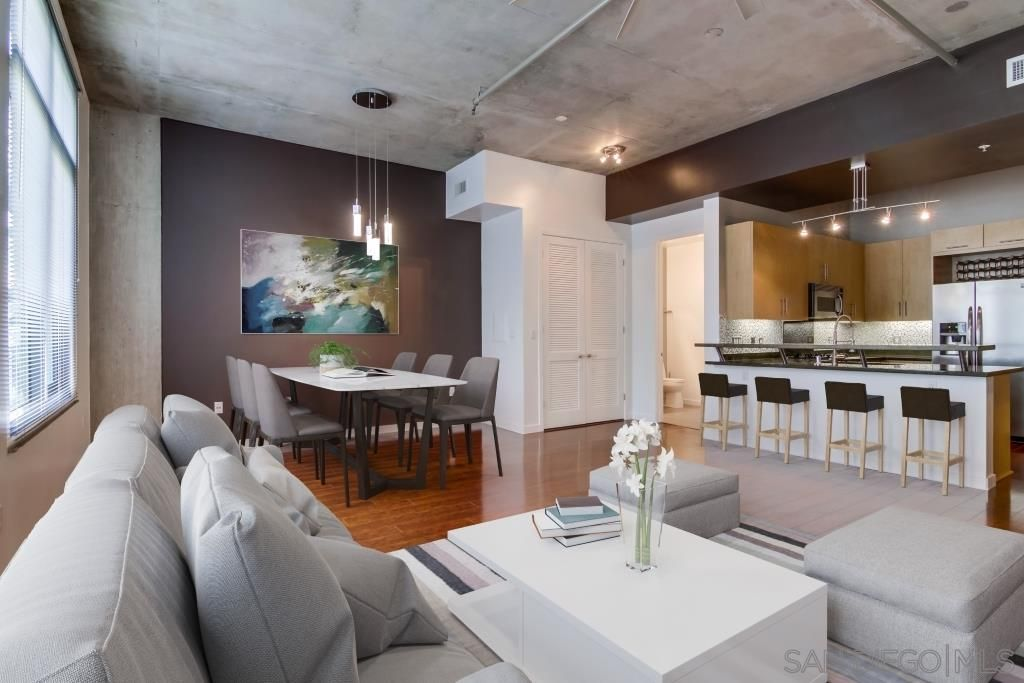 Main Photo: DOWNTOWN Condo for sale : 1 bedrooms : 1050 Island Ave #525 in San Diego