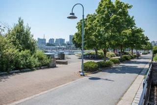 """Photo 26: 311 1288 MARINASIDE Crescent in Vancouver: Yaletown Condo for sale in """"Crestmark I"""" (Vancouver West)  : MLS®# R2602916"""