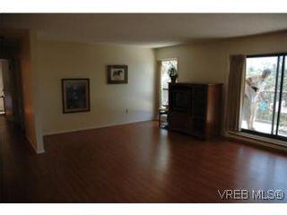 Photo 4: 402 4030 Quadra St in VICTORIA: SE High Quadra Condo for sale (Saanich East)  : MLS®# 510575