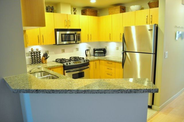 """Main Photo: 2575 EAST Mall in Vancouver: University VW Townhouse for sale in """"LOGAN LANE"""" (Vancouver West)  : MLS®# V839250"""