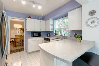 """Photo 11: 9573 WILLOWLEAF Place in Burnaby: Forest Hills BN Townhouse for sale in """"SPRING RIDGE"""" (Burnaby North)  : MLS®# R2462681"""