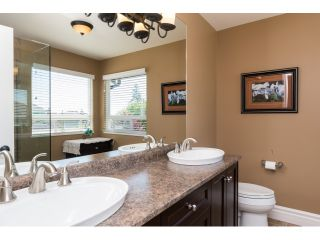 "Photo 13: 15552 VISTA Drive: White Rock House for sale in ""VISTA HILLS"" (South Surrey White Rock)  : MLS®# R2062767"