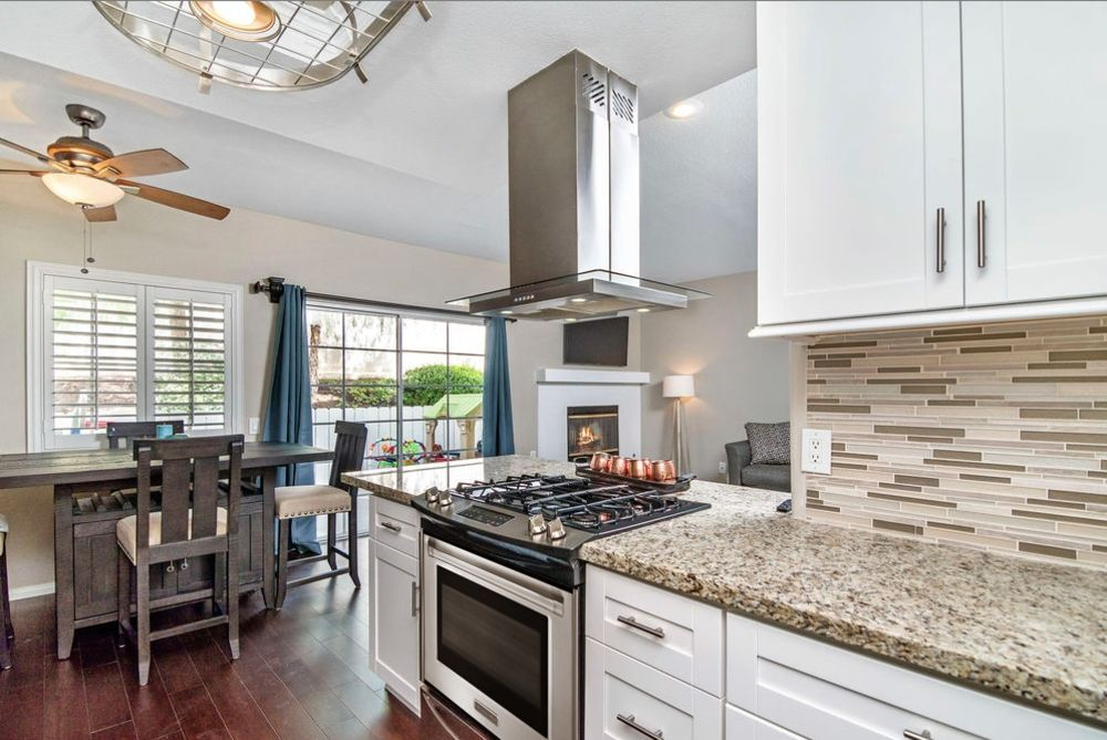 Main Photo: SAN MARCOS Townhouse for sale : 3 bedrooms : 420 W San Marcos Blvd #148