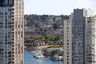 "Photo 19: 2107 1351 CONTINENTAL Street in Vancouver: Downtown VW Condo for sale in ""MADDOX"" (Vancouver West)  : MLS®# V1135882"