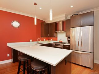 Photo 4: 7 2321 Island View Rd in Central Saanich: CS Island View Row/Townhouse for sale : MLS®# 780518