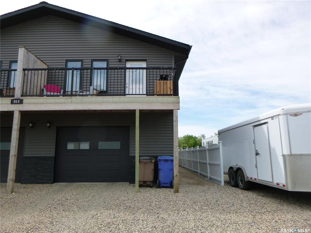 Main Photo: 914 B 110th Avenue in Tisdale: Residential for sale : MLS®# SK858593
