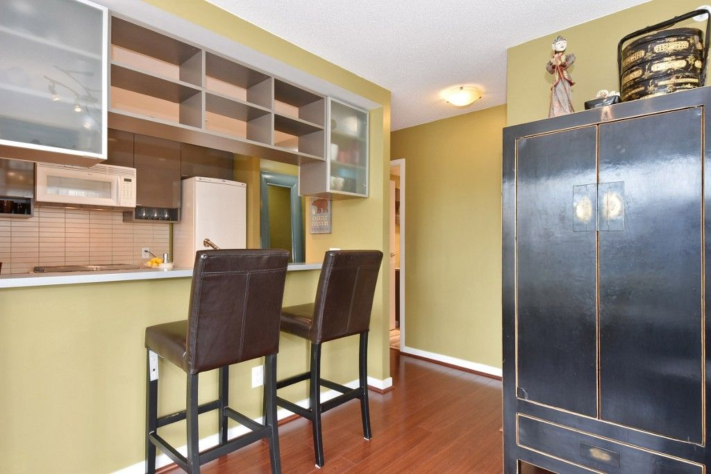 """Photo 5: Photos: 1708 928 BEATTY Street in Vancouver: Yaletown Condo for sale in """"MAX 1"""" (Vancouver West)  : MLS®# R2165040"""