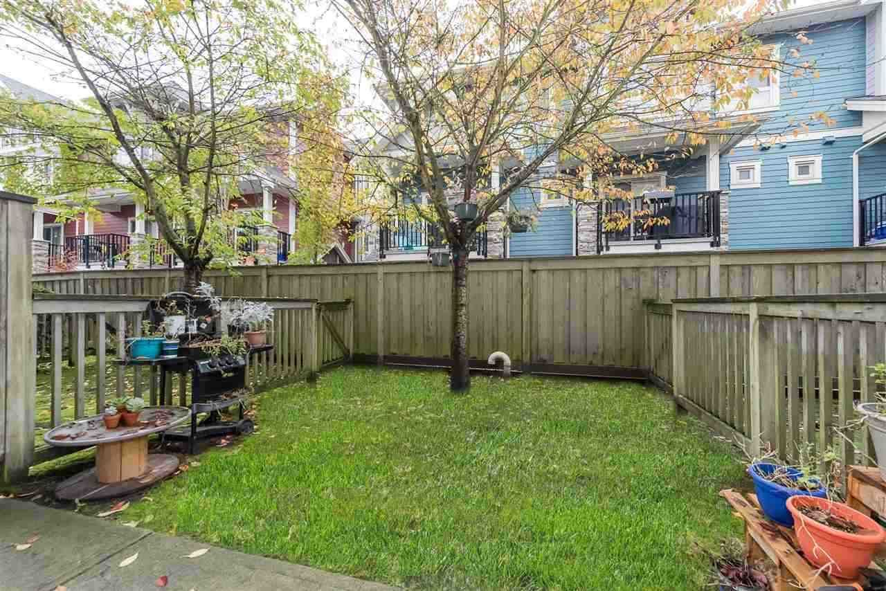 """Photo 17: Photos: 7 935 EWEN Avenue in New Westminster: Queensborough Townhouse for sale in """"COOPERS LANDING"""" : MLS®# R2368052"""