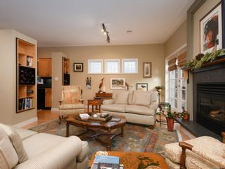Photo 5: 1065 Redfern St in : Vi Fairfield East House for sale (Victoria)  : MLS®# 861808