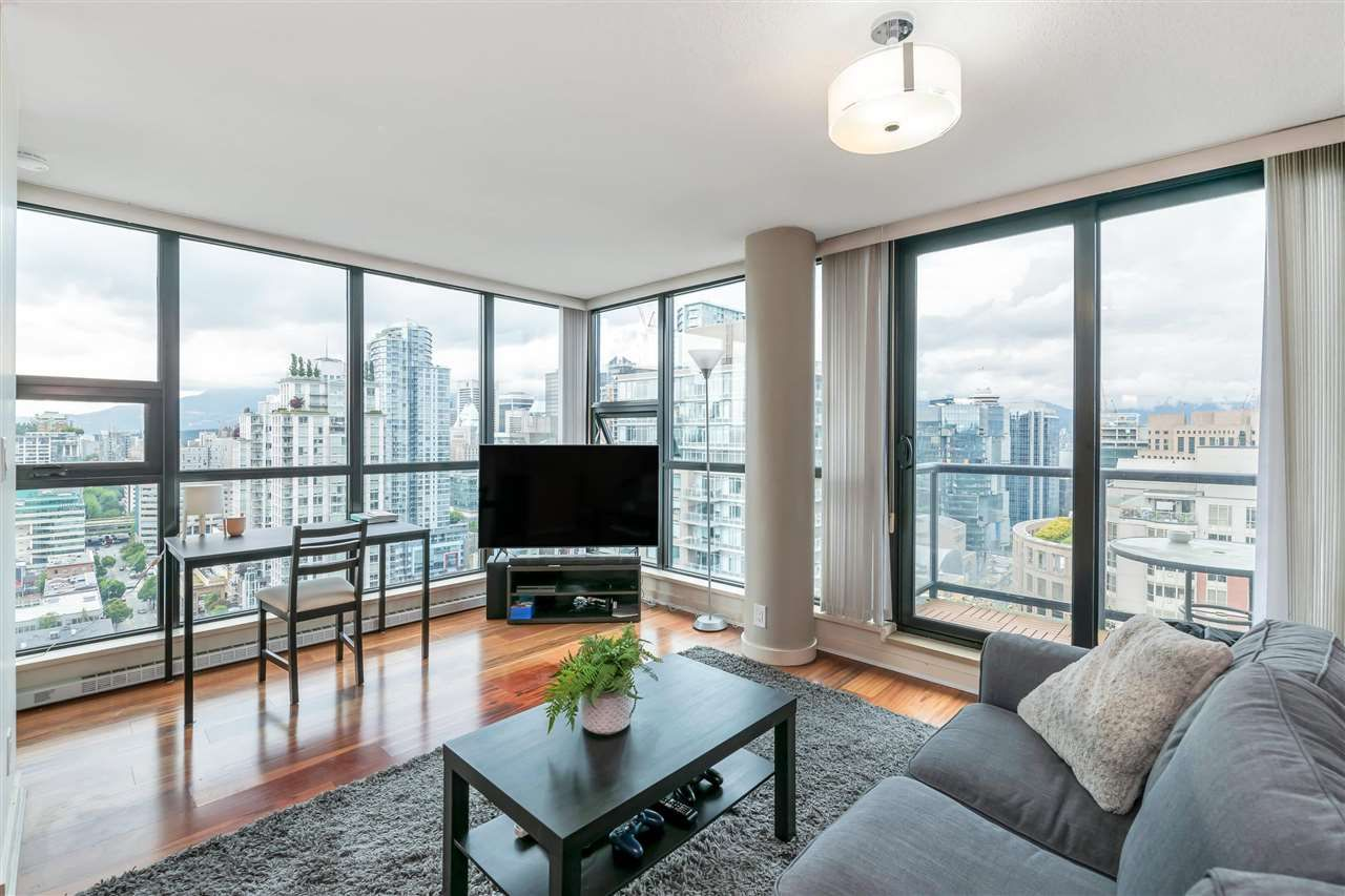 """Main Photo: 3407 909 MAINLAND Street in Vancouver: Yaletown Condo for sale in """"Yaletown Park II"""" (Vancouver West)  : MLS®# R2593394"""