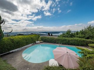 Photo 12: 1354 WHITBY Road in West Vancouver: Chartwell House for sale : MLS®# R2213295