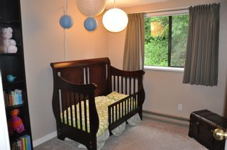 Photo 9: 915 Britton Drive in Woodside Village: Home for sale